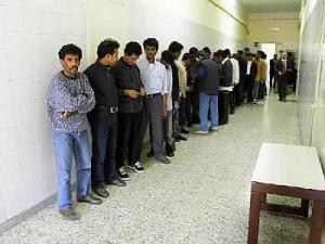 Immigrati in Questura in attesa di accertamenti